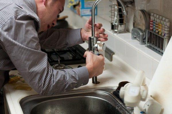 Comment réparer une fuite d'eau chez vous?